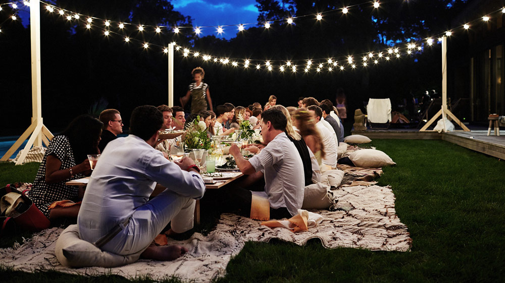 8 Backyard Night Activities You Can Do With Family and Friends
